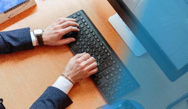 Caso de uso: Compartir información y documentos con los clientes